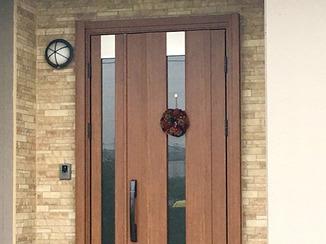 エクステリアリフォーム 既設部分とも調和させた玄関ドア