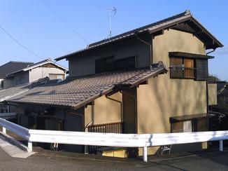 外壁・屋根リフォーム 耐久性のある外壁塗装と、掃除がしやすい水廻りリフォーム