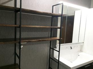 洗面リフォーム モダンな雰囲気で、収納力もある水廻り空間